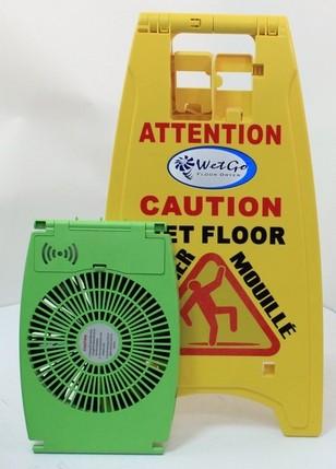 Affiche attention plancher mouillé avec séchoir